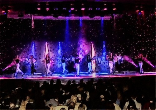 Танцы на сцене