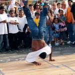 Public_breakdance_performance_in_San_Francisco